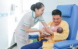 Phòng áp da bố chuyên biệt với đầy đủ trang thiết bị cao cấp sẽ giúp gắn kết tình cảm cha con