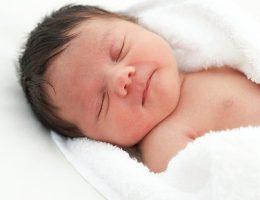 U nang buồng trứng ở trẻ sơ sinh