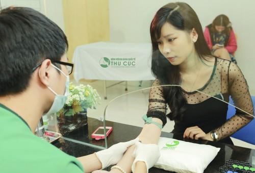 Bác sĩ sẽ làm các xét nghiệm cần thiết trong quá trình khám phụ khoa tổng quát.