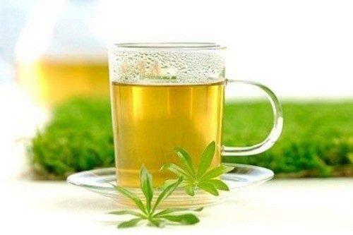 Trà thảo dược giúp loại bỏ các độc tố và vi khuẩn dễ dàng.