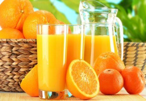 Vitamin C có nhiều trong các loại rau xanh và trái cây như cam, bưởi, quýt… Mẹ bầu cần lưu ý đến thói quen ăn uống của mình trong suốt thai kỳ.