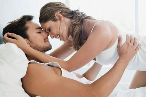 Bệnh sùi mào gà lây chủ yếu qua đường tình dục