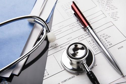 Để chẩn đoán một người có polyp tử cung hay không. trước hết bác sĩ sẽ hỏi về lịch sử kinh nguyệt, bao gồm cả lần kinh nguyệt gần đây nhất là khi nào và bao lâu người bệnh có kinh nguyệt.