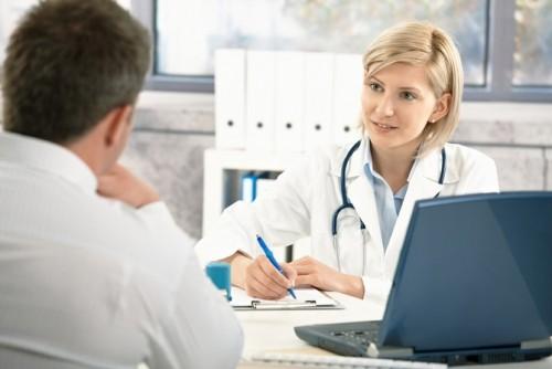 Bệnh nhân không chữa viêm đường tiết niệu bằng thuốc tại nhà mà chưa có chỉ định của bác sĩ