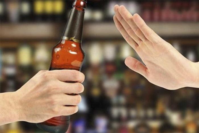 Kiệng rượu bia và các chất kích thích nếu không muốn tình trạng sức khỏe sau mổ thai ngoài tử cung trở nên nghiêm trọng