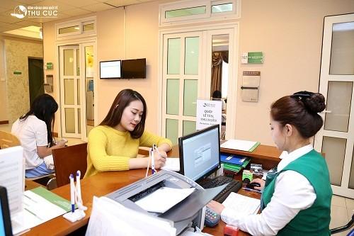 Thủ tục thăm khám và nhập viện được thực hiện nhanh chóng nhờ sự hỗ trợ của đội ngũ nhân viên y tế.