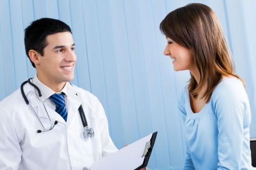 Nếu huyết trằng da nhiều do bệnh lý bạn cần đến cơ sở chuyên khoa để thăm khám