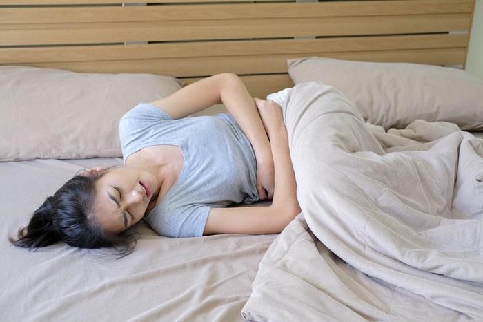 Đau bụng dữ dội trong những ngày kinh nguyệt là một dấu hiệu của tử cung hai sừng