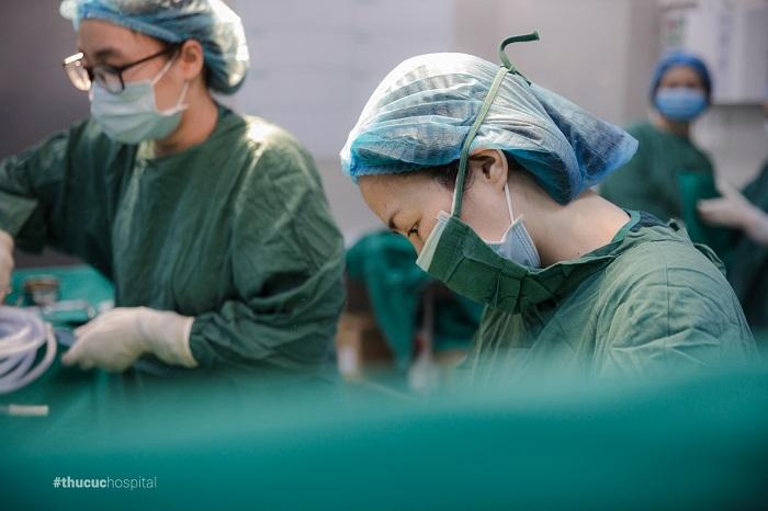 Phẫu thuật là phương pháp điều trị hiệu quả, giúp chị em có thể loại bỏ hoàn toàn khối u xơ tử cung
