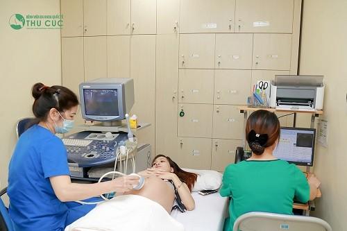 Khi mẹ bầu có biểu hiện đau đầu hay bất cứ bệnh lý nào khác, cần nhanh chóng thăm khám và chỉ sử dụng thuốc theo chỉ định của bác sĩ