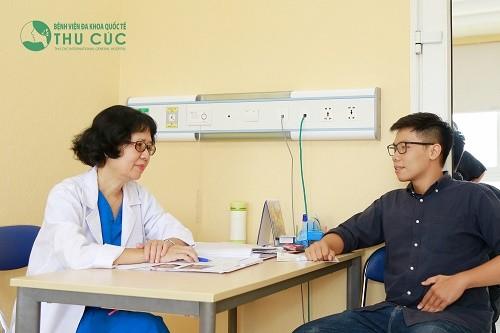 Ngay khi có dấu hiệu tiểu buốt và đau bụng dưới, người bệnh cần nhanh chóng tới bệnh viện để tiến hành thăm khám