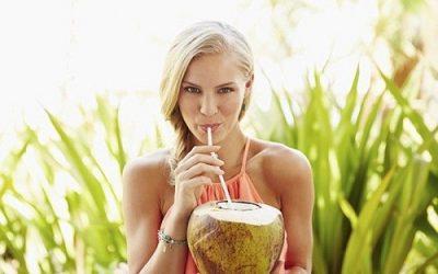 Uống nước dừa có làm kinh nguyệt ra nhiều?