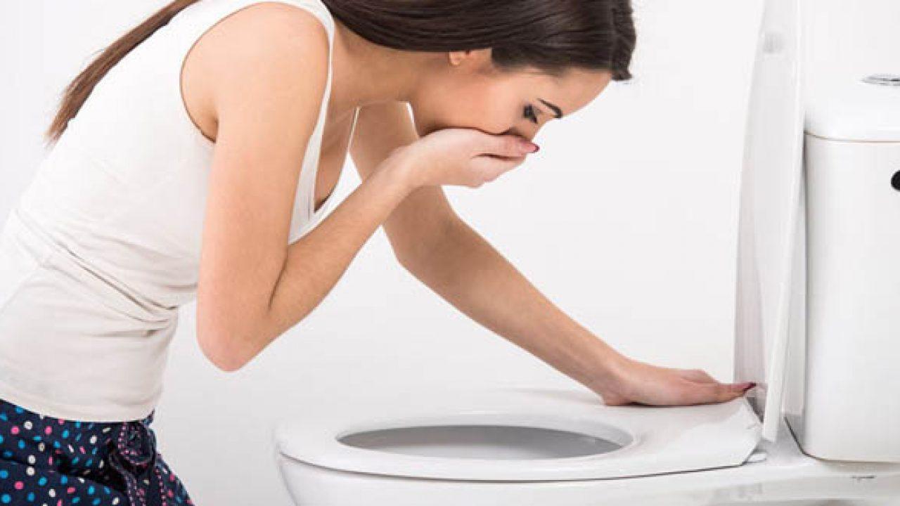 Nuốt tinh dịch có thể gây buồn nôn Quan hệ xong bị buồn nôn có sao không