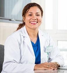 Bác sĩ CECILIA ALVARADO ALFARO (Jessica)