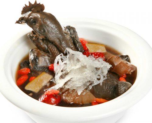 Thịt gà chứa nhiều chất dinh dưỡng và khoáng chất tốt cho sức khỏe.