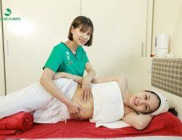 Massage thon gọn cho mẹ sau sinh tại nhà