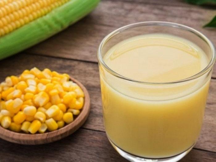 Uống sữa bắp tốt cho mẹ sau sinh mổ