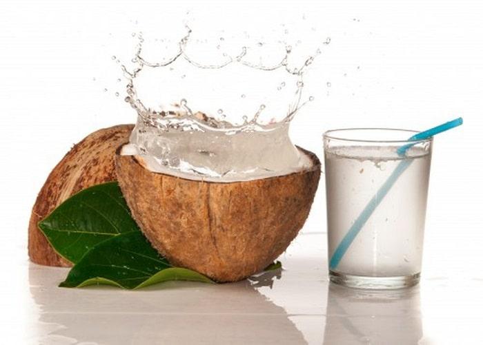 Uống nước dừa tốt cho sữa mẹ