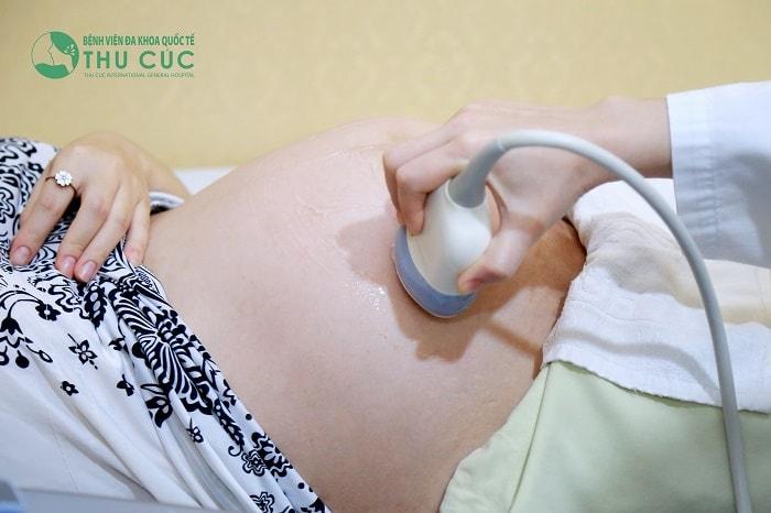 Nhiều mẹ bầu thường xuyên đi khám thai