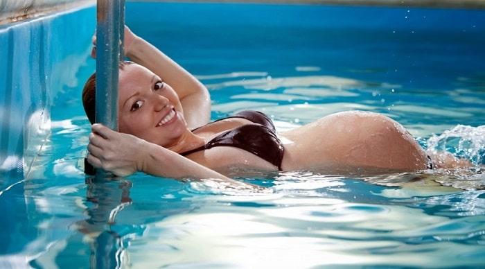 Mang thai 3 tháng đầu có nên đi bơi? 4