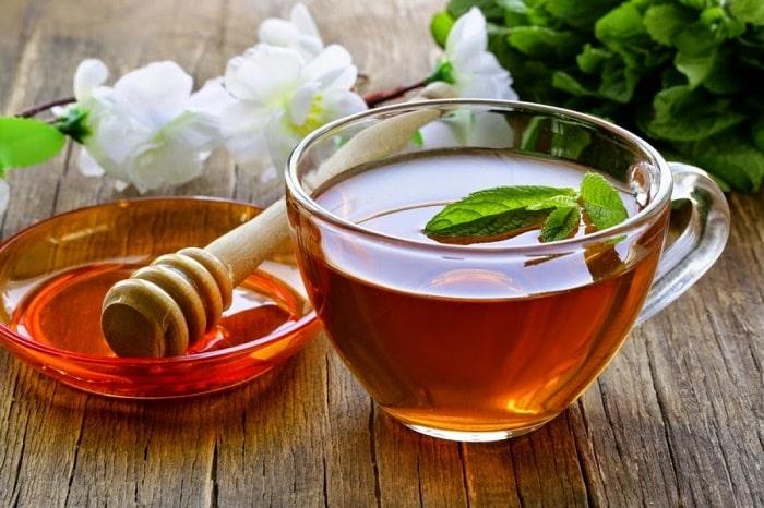 Uống trà mật ong cũng là cách để mẹ bầu bổ sung năng lượng trước khi sinh
