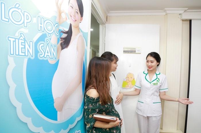Mẹ bầu được miễn phí tham gia các lớp học tiền sản do bệnh viện tổ chức khi đăng ký dịch vụ thai sản trọn gói