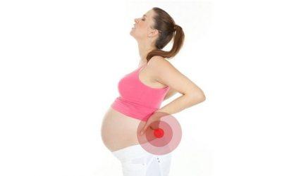 """""""Xử gọn"""" cơn đau lưng khi mang thai 3 tháng đầu"""