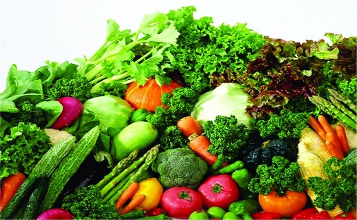 Bà đẻ sau sinh cần lựa chọn loại rau thích hợp để an toàn cho cả mẹ và bé