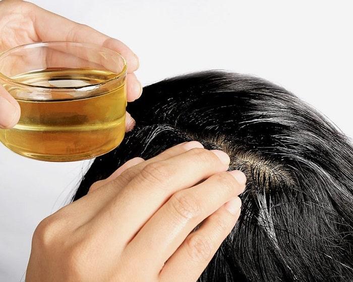 chăm sóc tóc sau sinh với dầu dừa
