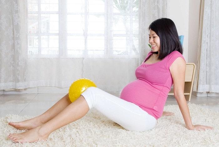 Các bài tập giúp mẹ bầu phòng ngừa bị trĩ khi mang thai