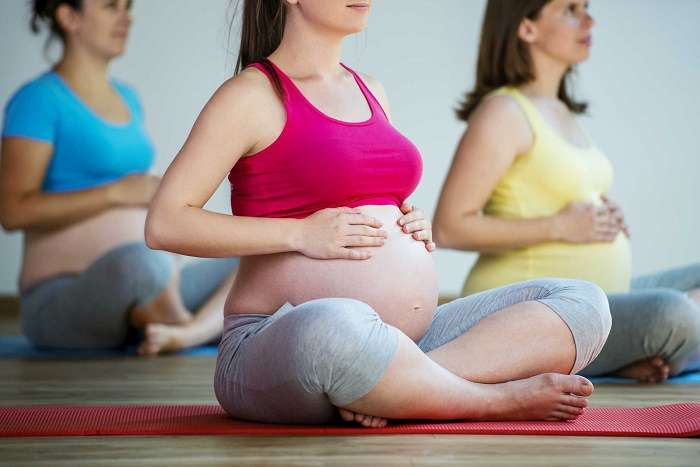 Tập luyện kết hợp ăn uống sẽ giúp mẹ hạn chế những nguy cơ tiểu đường thai kỳ