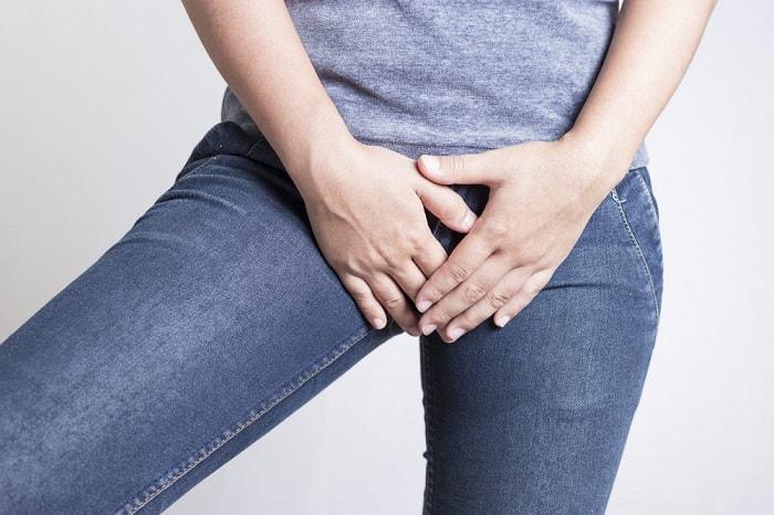 Những tổn thương ở vùng kín là một trong những nguyên nhân chủ yếu gây bệnh