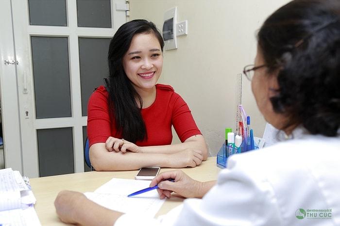 Thăm khám phụ khoa để xác định chính xác nguyên nhân gây bệnh và có hướng điều trị tốt nhất