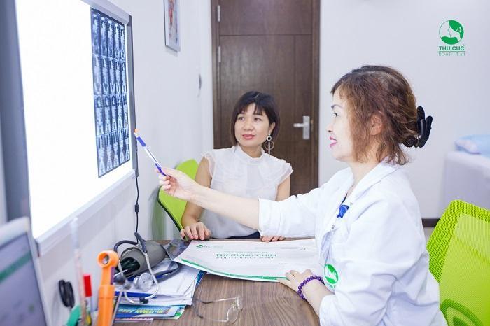 Rối loạn kinh nguyệt là một trong các dấu hiệu giúp chị em nhận biết bệnh u nang buồng trứng