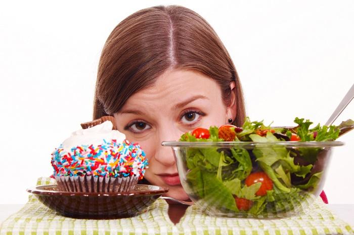 Sau sinh có được ăn bánh kem không? Hãy hạn chế tối đa món này nhé.