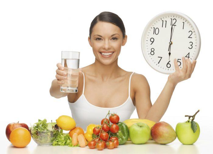 Ăn uống khoa học, nghỉ ngơi hợp lý sẽ giúp chị em cải thiện được tình trạng khô rát âm đạo