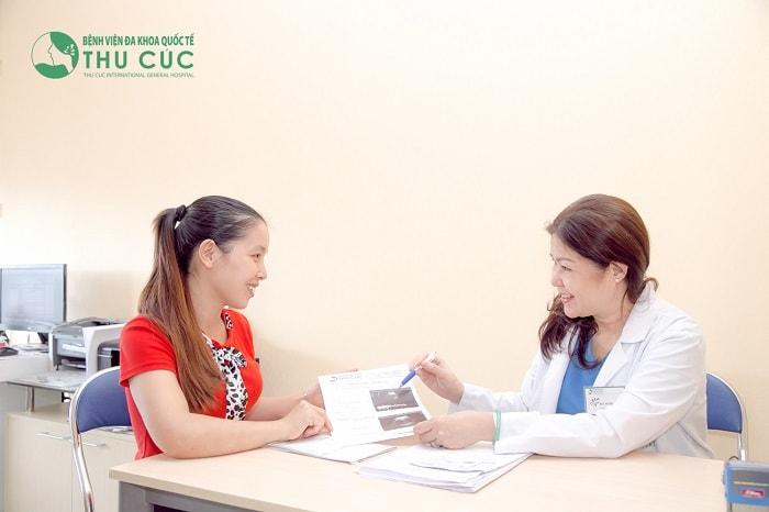 Thăm khám bác sĩ để kiểm tra xem mình đã mang thai hay chưa