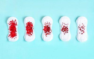 Sản dịch ra máu cục có nguy hiểm không?