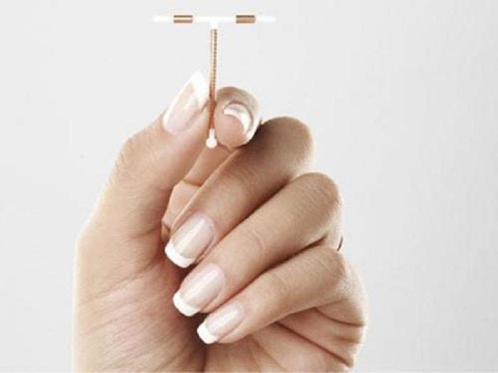 Đặt vòng là sử dụng một dụng cụ chuyên khoa để đặt vào trong buồng tử cung có tác dụng không để phụ nữ mang thai