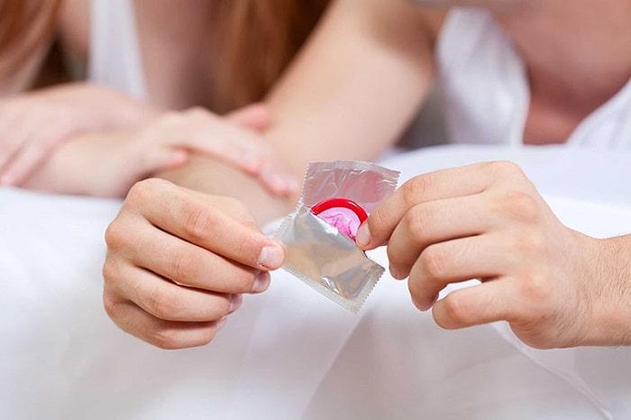 Để tránh lây bệnh khi quan hệ nên sử dụng những biện pháp bảo vệ