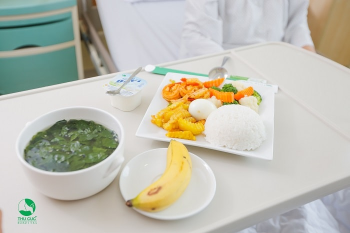 Một chế độ dinh dưỡng khoa học sẽ giúp vết mổ nhanh lành