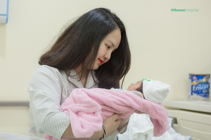 mổ bóc tách u xơ tử cung khi sinh