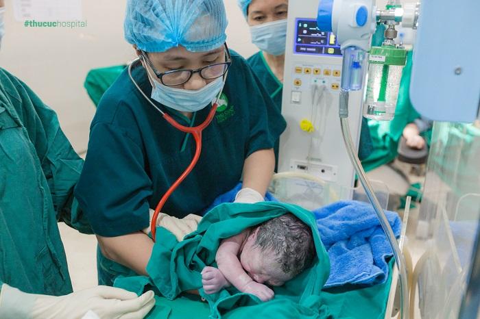 phẫu thuật cắt vách ngăn tử cung
