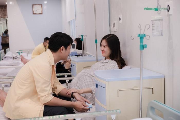 """Và mẹ bầu Nguyễn Thị Hương dù mang thai đôi nhưng có Thai sản trọn gói của bệnh viện Thu Cúc , mọi thứ trở thành """"chuyện cỏn con"""""""
