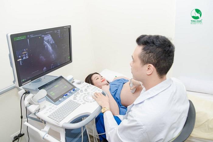 """Công nghê siêu âm 5D hiện đại nhất hiện nay sẽ giúp mẹ quan sát được """"cuộc sống"""" của em bé trong suốt 9 tháng 10 ngày"""