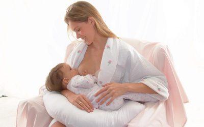 Cho con bú khi mang thai có nguy hiểm không