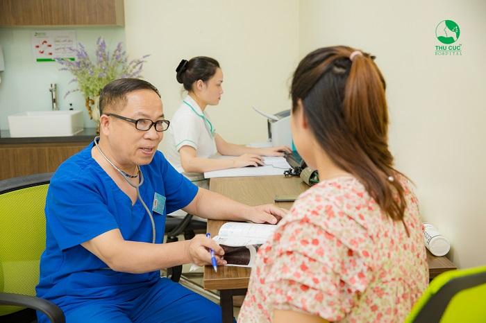 Để được giải đáp tất cả các thắc mắc về các vấn đề xoay quanh chuyện mang thai, chị em nên tới gặp bác sĩ Sản Phụ Khoa của Bệnh viện ĐKQT Thu Cúc