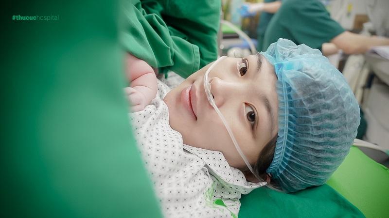 Thai bị dây rốn bám mép, mẹ lo con nhẹ cân nhưng kết quả gây ngỡ ngàng