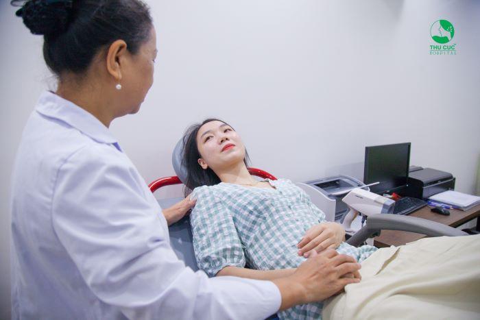 Khám phụ khoa là khám toàn bộ cơ quan sinh sản và bộ phận sinh dục.