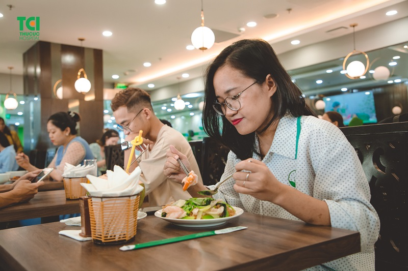 Nhà hàng xây dựng thực đơn riêng dành cho nhiều nhóm khách hàng.